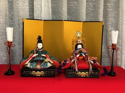 綺麗に甦りました。人形修復・衣装・髪・他修理、御殿飾り用のお雛様を屏風飾りに!