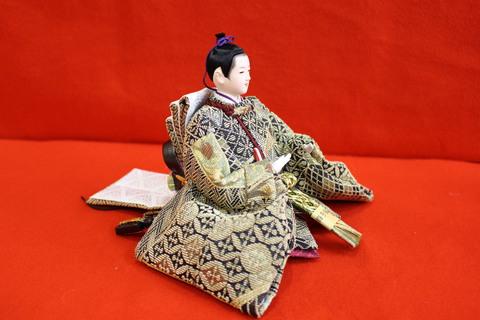 帯雛 西陣織 金華山(輪奈織)。 羽子板・破魔矢飾り 展示販売中