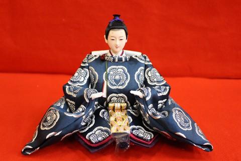 伝統の鴛鴦文様(柄),縁起の良い衣装の雛人形です 前回と色違いです