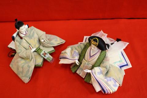 スカーフ生地で、お雛さま衣装を仕立てました