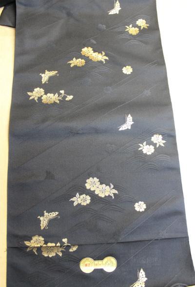 雛匠の厳しい目で衣装の素材を選びます!~京都まで直接行きます~