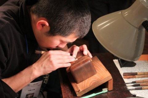 昨日「マツコの知らない世界」に岡崎の職人仲間 神尾印房の神尾尚宏氏 出演していましたね。