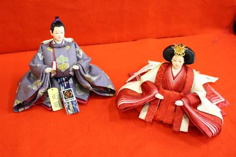 有職 雛人形 向い鶴文様 縁起の良い文様の衣装です