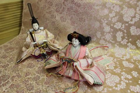 かわいい 雛人形 本日完成しました。桜柄の桜で染めた反物、京都西陣織 唐織の衣装です。粟生人形で制作しました。