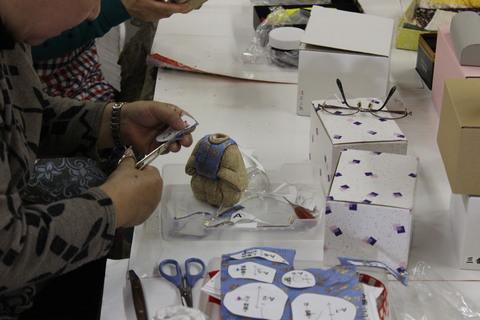 木目込み人形 作りませんか♪ 今年度 木目込み教室 始まりました 岡崎の人形屋さんが講師です