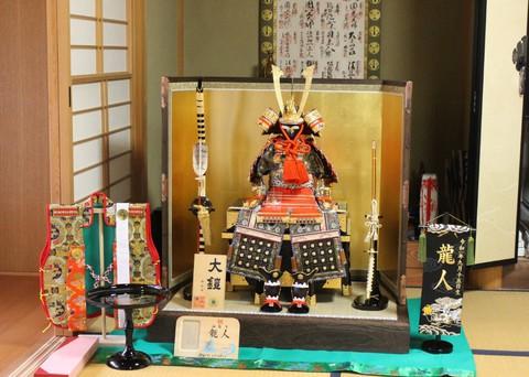 鎧飾り を刈谷市のお客様宅に、素敵に飾れました。※京都の職人が制作した本物の京甲冑です。