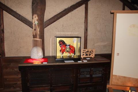 ~伝統の飾り馬~五月人形・を探されてる方、男の子が生まれた方・本物志向の方に粟生人形がお勧めします。