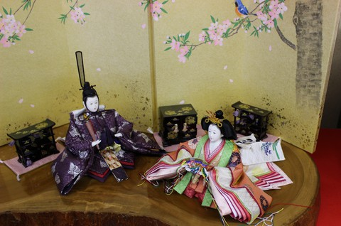 天然無垢台の親王飾り ~愛知県岡崎市の人形店~