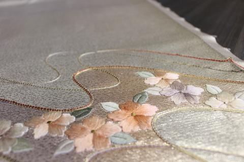 刺繍の帯地一本で制作する、世界で一つのお雛さま(雛人形)