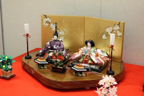 天然無垢台の親王飾り2 岡崎西武・岡崎イオンの間イオンモールにて展示