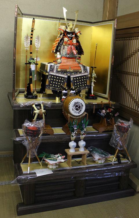五月人形 三段飾りも展示しています 愛知県岡崎の人形店で節句飾りをどうぞ